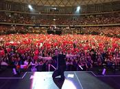 "Luis fonsi gira ""somos uno"" conquistan 12,000 personas movistar arena chile"