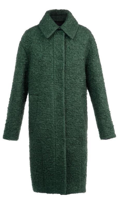 En lana verde bosque de lineas minimalistas, de Bimba y Lola.