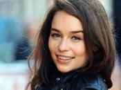 """Emilia Clarke protagonizará thriller """"Voice From Stone"""""""