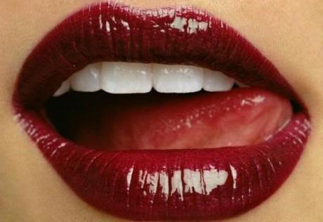 Labios burdeos color tendencia oto o invierno 2015 for Labios burdeos