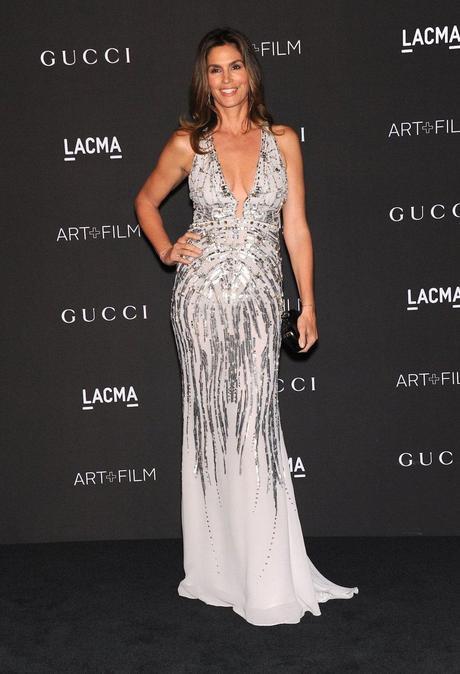 Cindy Crawford, de sirena plateada de Roberto Cavalli en la gala LACMA.