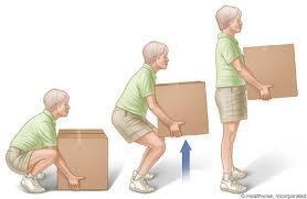 Cómo coger peso sin lastimarnos la espalda