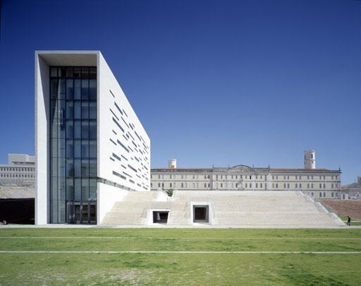 Aires mateus arquitectura minimalista paperblog for Arquitectura minimalista edificios