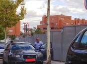 Concejal Seguridad Protección Civil Paracuellos Jarama aparcando plaza para personas movilidad reducida