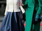 Dña. Letizia, falda vuelo pelo trenzado guantes, Bruselas