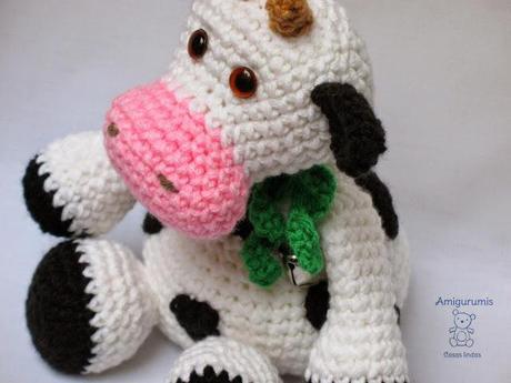 Amigurumi Vaca : La vaca margarita paper