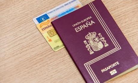 Renovar el DNI o pasaporte español en Holanda