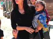 Kardashian quiere comprarle isla hija