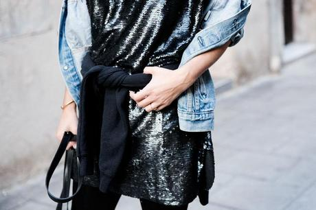 Urban_Outfitters_Barcelona-Opening_Store-Collage_Vintage-Sequins_Dress-Outfit-Street_style-54