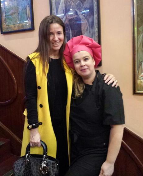 Karen Azzinnari con Yolanda