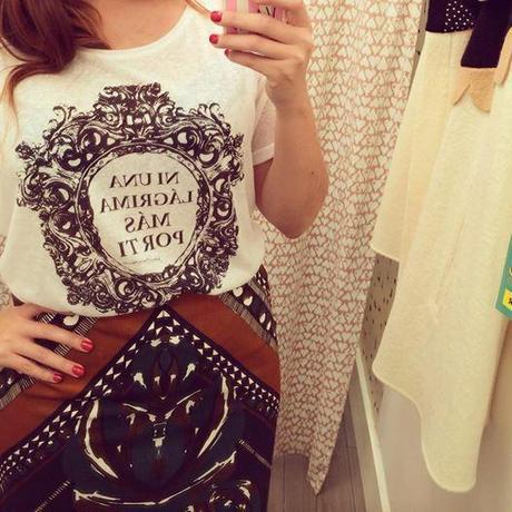 Foto: ¿Puede ser más molona esta camiseta? #DoloresPromesas en #ShopeningNight #blogging #shopeningnightvlc #bloggeroficial #misspersonalchopped DOLORES PROMESAS VALENCIA SHOPENING NIGHT