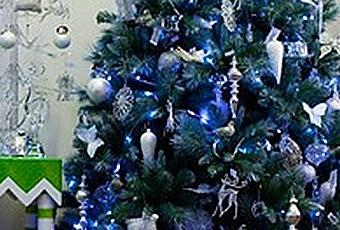 Arboles de navidad en azules y morados paperblog for Arbol navidad turquesa