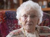 abuela vieja europa años claves longevidad. ¿qué prefieres vivir pero llevarlo vivirlos bien?