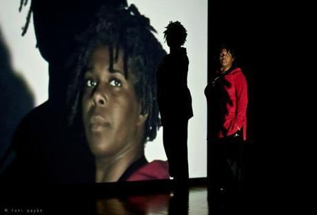 Silvia Albert interpretando No es país para negras