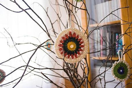 Rbol de navidad con ramas secas y ganchillo paperblog - Arbol de navidad con ramas ...