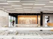 Blanco negro, contraste diseño interior esta óptica Montreal