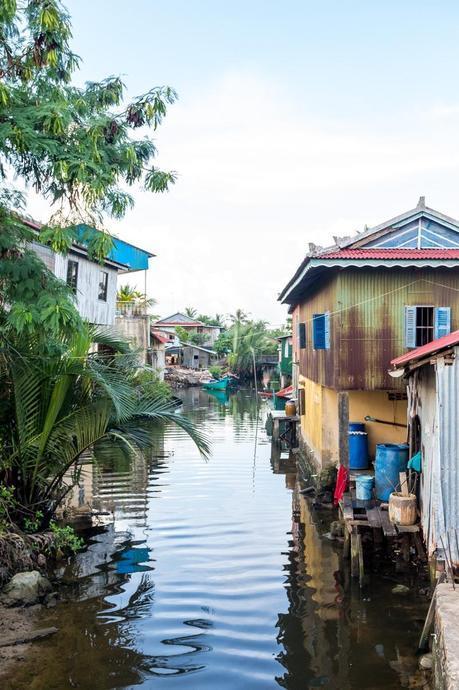 Algún canal junto al río, Kampot