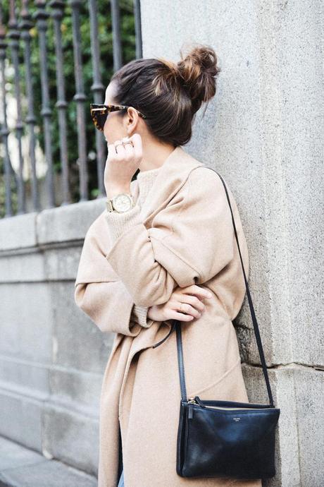 Maxi_Coat-Reformation_Sweater-Vintage_Levis-Outfit-Street_Style-Collage_Vintage-30Karen_Millen-Chrismas_Wishlist-Collage_Vintage-Leather_Skirt-Burgundy_Bag-Silver_Blazer-Outfit-Street_Style-