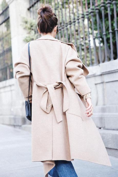 Maxi_Coat-Reformation_Sweater-Vintage_Levis-Outfit-Street_Style-Collage_Vintage-26Karen_Millen-Chrismas_Wishlist-Collage_Vintage-Leather_Skirt-Burgundy_Bag-Silver_Blazer-Outfit-Street_Style-