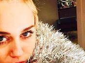 Miley Cyrus recibe alta hospitalaria viste árbol Navidad