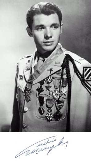 Retrato y firma del Teniente Audie Murphy, uno de los militares más condecorados de la IIGM