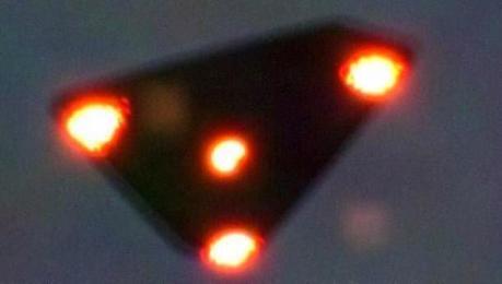 OVNIs : realidad y verdad