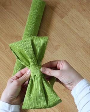 Decoraci n f cil con papel crepe paperblog - Como hacer lazos decorativos ...