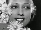 Espiando desde escenario, Josephine Baker (1906-1975)
