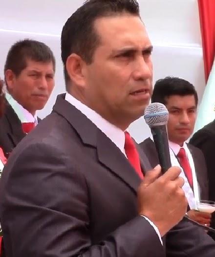 JAVIER ALVARADO AUGURA ÉXITOS EN LA GESTIÓN DEL NUEVO ALCALDE DE QUILMANÁ… - javier-alvarado-augura-exitos-gestion-del-nue-L-8je654