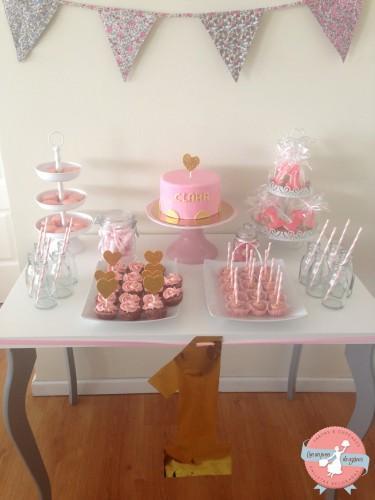 Mesa dulce para el primer cumplea os de clara paperblog for Mesas dulces cumpleanos