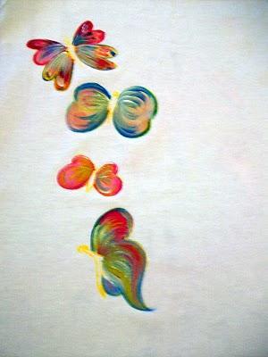 Pintando mariposas en tela