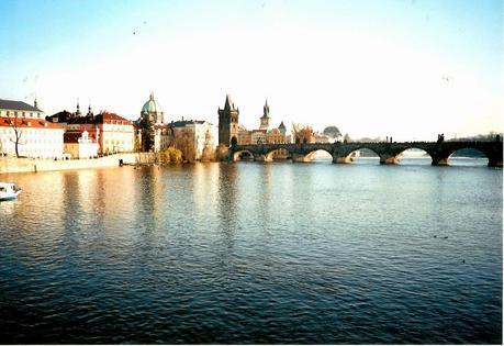 La  Ciudad  De Las Cien Torres.- Praga.