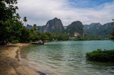Railay Este, donde te deja la barca desde Krabi