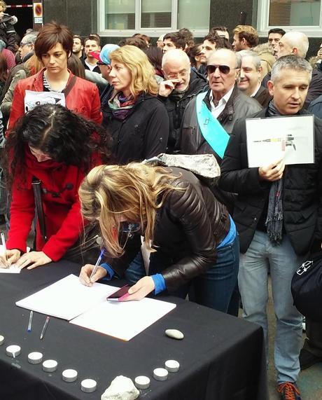 Concentración en Barcelona por las víctimas de Charlie Hebdo