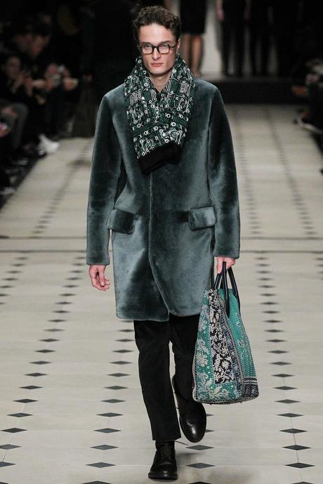 Burberry_Prorsum_fall_winter_2015_glamour_narcotico_lifestyle_and_fashion_blogger (33)