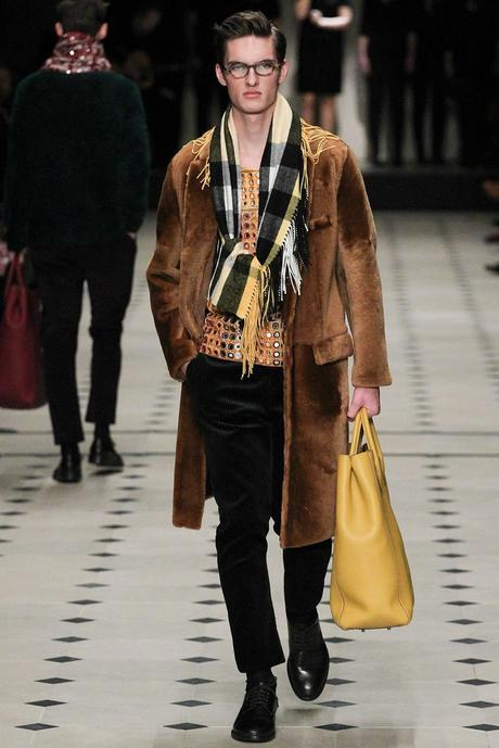 Burberry_Prorsum_fall_winter_2015_glamour_narcotico_lifestyle_and_fashion_blogger (39)