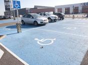 Policía multa aparcar plazas para discapacitados centros comerciales