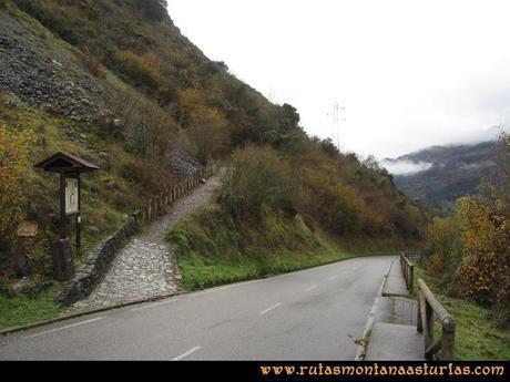 Ruta Xanas, Valdolayés, Peña Rey: Entrada a la ruta de las Xanas