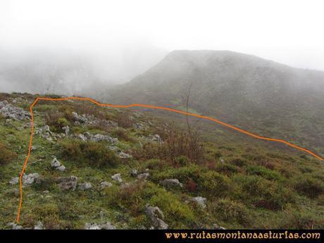 Ruta Xanas, Valdolayés, Peña Rey: Descenso de Peña Rey a la laguna