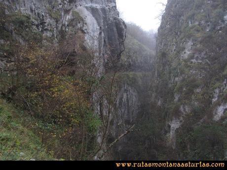 Ruta Xanas, Valdolayés, Peña Rey: Estrechando el desfiladero de las Xanas