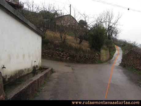 Ruta Xanas, Valdolayés, Peña Rey: Abrevadero en Dosango