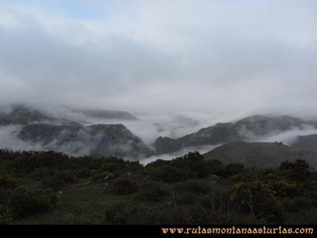 Ruta Xanas, Valdolayés, Peña Rey: Nubes hacia abajo