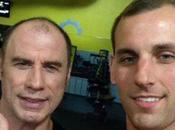 John Travolta peluca revoluciona redes sociales