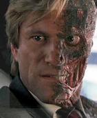 El fiscal Harvey 'Dos Caras' Dent, ¿inspirado en Dr. Jekyll y Mr. Hyde?