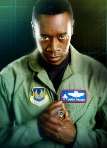 Don Cheadle como James Rhodey Rhodes
