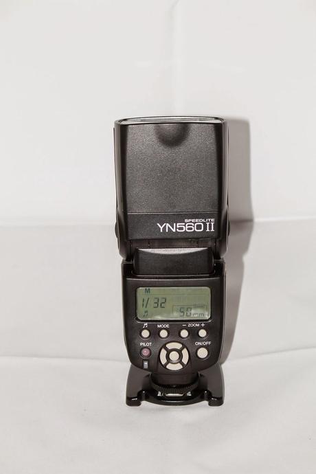 Review Flash Yongnuo YN-560 II