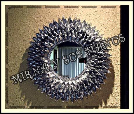 Reciclaje decorando un espejo con botellas de pl stico paperblog - Espejo de plastico ...