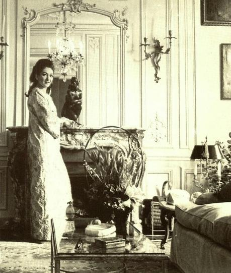 maria calais as a diva essay Maria callas, commendatore omri (/  she's still the definition of the diva as artist—and still one of classical  but to attempt to essay them both in the same .
