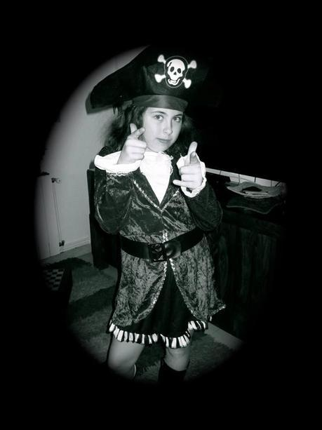 disfraz, disfraz de pirata, disfraces infantiles, disfraz de adulto, disfraz halloween, disfraz navidad, disfraz carnaval, accesorios, maquillaje disfraz, tienda de disfraces, tienda disfraces, disfraces baratos,disfraz barato, disfraz infantil barato,