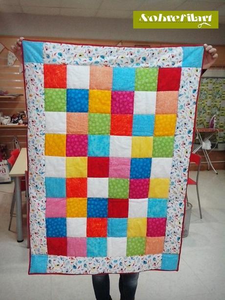 Manta coj n de patchwork para las primeras etapas de los - Como hacer mantas de patchwork ...